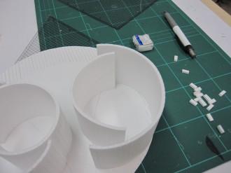 制作中の建築模型